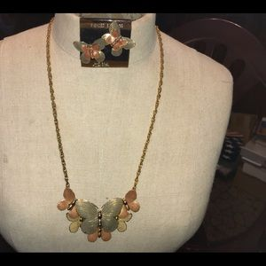 Vintage set necklace earrings made in USA